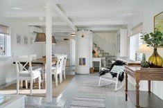 Miete Ferienhaus 11-4485 in Norgesvej 28, Lökken Danish Interior Design, Divider, Loft, Bed, Furniture, Home Decor, Cottage House, Decorating, Decoration Home