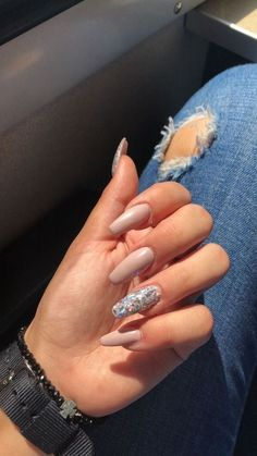Semi-permanent varnish, false nails, patches: which manicure to choose? - My Nails Almond Acrylic Nails, Best Acrylic Nails, Cute Acrylic Nails, Acrylic Nail Designs, Cute Nails, Aycrlic Nails, Hair And Nails, Coffin Nails, Gel Manicures