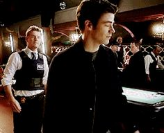 The Flash | Review 1x16 - Rogue Time | WE IMG