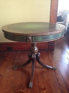Antique Round Solid Oak Lions Paw Foot Dining Table With 4