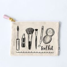 Size: x Natural canvas pouch with sewn tag Gold zipper with pink leather tassel Polka dot fabric liner Interior pocket with zipper Hand-lettered & illustrated Screen-printed in USA Diy Makeup Bag, Makeup Pouch, Makeup Geek, Makeup Jobs, Leather Tassel, Pink Leather, Leather Satchel, Mrs Bella, Lily And Val