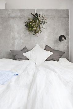 ♂ Masculine neutral interior design grey & white home deco Cozy Bedroom, Bedroom Inspo, Bedroom Wall, Bedroom Decor, Master Bedroom, Bed Room, Beautiful Bedrooms, Beautiful Wall, House Beautiful