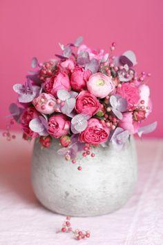 Les gens inspirés créent un monde inspirant. Voilà la clé ! Claire, fleuriste, est de ceux-là. Voici son blog : http://madame-love.com/lovely-flower-blogs-6-roses-claire/