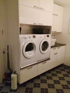 Familjen i Glömsta - Tvättstugan ♚ - swedish pins Washing Machine, Laundry, Home Appliances, Laundry Room, House Appliances, Appliances, Laundry Rooms
