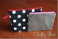 As I promised on my 4th Anniversary Giveaway post from Monday, I'm here today to show you how to make these lined, zippered bags. Crazy easy. These are so simple, in fact, I actually had to look back through my projects to make sure I hadn't already covered them. I can't believe I haven't, but let