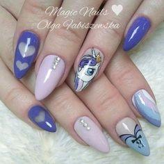 #pony #mylittlepony #ponynails #nailart #nailporn #nails #nailartist #nail2inspire #love #fashion #uñasdecoradas #uñas #mani #manicure #hybridnails #hybrydy #pinknails #violetnails #hearts #jewellery #brilliant #shine #sweetnails #gelnails #spnnails #frozengel @nails_masters @nailtopmaster @magicnailskrakow