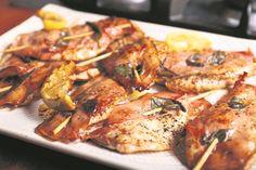 Die elegante eenvoud van spring-in-die-mond-saltimbocca met geure van salie, botter en ham om die delikate vleisgeur te lig. Foto's: Ian du Toit