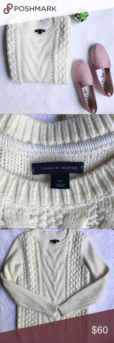 Tommy Hilfiger sweater Off white Tommy Hilfiger sweater. Soft and comfy. No sign of use. Tommy Hilfiger Sweaters