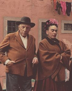 Frida Kahlo And Pablo Picasso Art Picasso, Picasso Paintings, Diego Rivera, Yves Tanguy, Picasso Pictures, Arte Peculiar, Classic Paintings, Indian Paintings, Beautiful Paintings