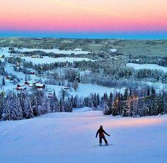Umeå in Zweden in èèn vd 8 seizoenen..dit is eind jan.t/m eind febr. WAUW!