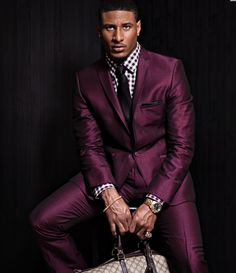 Methinks this mocha colored silk suit is the ideal fall gear for the well-dressed man LMR Estilo Fashion, Fashion Mode, Suit Fashion, Mens Fashion, Fall Fashion, Fashion Outfits, Gentleman Mode, Gentleman Style, Sharp Dressed Man