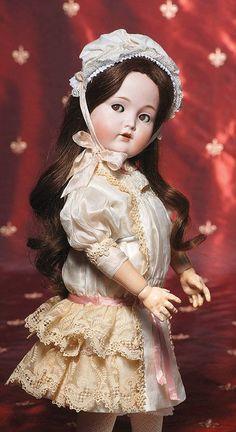 121: GERMAN BISQUE MOLD 117n - FLIRTY-EYED DOLL BY KAMM : Lot 121 Old Dolls, Antique Dolls, Vintage Dolls, Beautiful Children, Beautiful Dolls, Haunted Dolls, German Girls, Bear Doll, Bisque Doll
