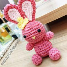 دمية الأرنب من كتاب الدمى الثلاث . الكتاب متوفر في متجر رام كروشيه . raamcrochet.com/store . . #crochet #raamcrochet #crochetpattern #amigurumi #كروشيه #كروشيهات #رام_كروشيه #أميغورومي