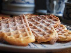 Waffles, Breakfast, Desserts, Camper, Muffins, Powdered Sugar, Finger Food, Salmon, Muffin
