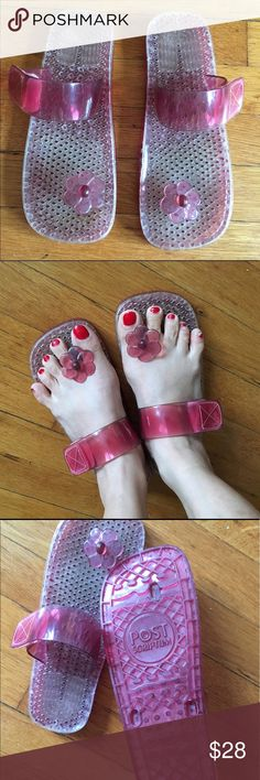 🆕 Jelly Flip Flops 🌸 SUPER CUTE🌸NWOT Aren't these adorable? New & unworn. Adjustable Velcro strap. Super comfy & GOOD QUALITY. Made of durable plastic. Perfect for the beach or to walk around in the summer to look cute🌸 Marked size 8-8.5. Will accommodate narrow & wide feet due to the adjustable strap. Made in Brazil. 🌸Price is firm🌸 A rare find🌸 No box. Boutique Shoes Sandals