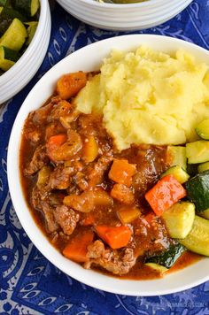 Slimming Eats Syn Free Beef and Vegetable Casserole - gluten free dairy free paleo instant pot slow cooker Slimming World and Weight Watchers friendly Slimming World Beef Casserole, Slow Cooker Slimming World, Slimming World Recipes Syn Free, Slimming World Diet, Slimming Eats, Slimming Word, Slow Cooker Recipes, Beef Recipes, Cooking Recipes
