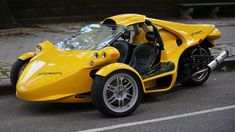 Do you find the idea of a three-wheeled car fascinating? Three-wheeled cars are very uncommon and may even be considered. Ford Memes, Third Wheel, Gas Pumps, Motorcycle Design, Character Costumes, Car Wheels, Small Cars, Automotive Design, Car Car
