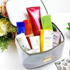 How gorgeous is this Beauty Expert Collection; The Expert Edition?  This beautiful case contains a selection of hand-picked products chosen for their unique innovative properties. Amazing value at just 50!   There's a whole host of brands included too :- @ila_spa Body Wash & Lotion Duo (2 x 150ml) @JoicoColour Endure Treatment Masque (250ml) @Sumanskincare Face Polish (30ml) @madaracosmetics Brightening AHA Peel Mask (60ml) @theheroprojectuk Glow Drops Facial Oil (30ml) @nuxe_uk Fondant Body…