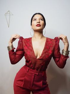 VINTA Gallery is a bespoke & ready-to-wear modern Filipiniana fashion brand. Shop terno dresses, barongs & more. Modern Filipiniana Gown, Filipino Fashion, Fashion Show, Fashion Design, Fashion Trends, Trendy Colors, Formal Dresses, Wedding Dresses, Grad Dresses