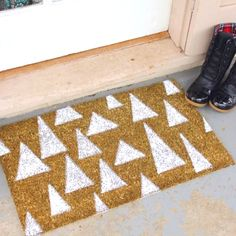 DIY sprayed door mat - make