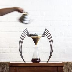 The Iikone is a stylish, very simple made, pourover coffee brewer, with a totally unobstructed filter. The design of the Iikone allows a brewing process… Coffee Snobs, Coffee Maker, Coffee Lovers, Coffee Express, Coffee Origin, Pour Over Coffee, Drip Coffee, Espresso Coffee, Coffee Coffee