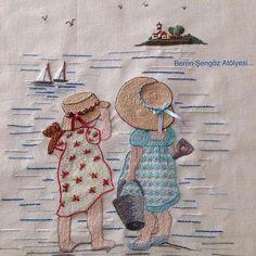 Deniz kenarında...🌴🏖🌴Seaside...Yaz bitiyor,bugünleri iyi değerlendirmek lazım...#handmade #embroidery #nakış #elişi #needleart #needlework #seaside#yaz#deniz#sea#tatil#holiday # Creative Embroidery, Simple Embroidery, Hand Applique, Hand Embroidery Stitches, Crewel Embroidery, Embroidery Hoop Art, Hand Embroidery Designs, Vintage Embroidery, Embroidery Techniques