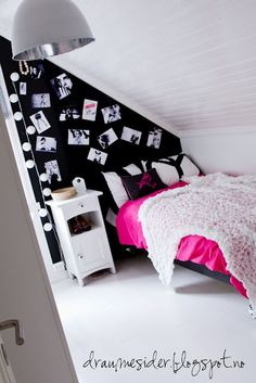 Girls bedroom in black, white and pink!