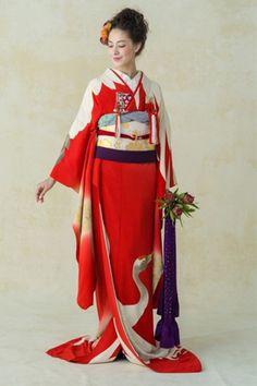 艶やかすぎる…♡ 赤で華やぐ和装カタログ