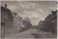 Joannes Tolliusstraat, vanaf de Utrechtseweg. Links nrs. 2, 4, 6 enz.