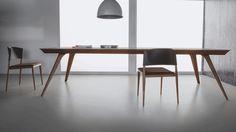 Ale Design Marcelo Ligieri   Cadeira em tecido, soleta natural e metal folheado.  (L) X (P) X (H) cm  52 x 55 x 78