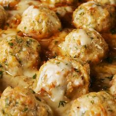 Onion Chicken Meatballs These Chicken Meatballs Have Everything You Love About French Onion Soup DelishThese Chicken Meatballs Have Everything You Love About French Onion Soup Delish Comida Diy, Chicken Meatball Recipes, Turkey Meat Recipes, Minced Chicken Recipes, Chicken Appetizers, Soup Appetizers, Meatball Dish, Meatball Meals, Frozen Meatball Recipes