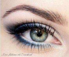 light blue to midnight eyes