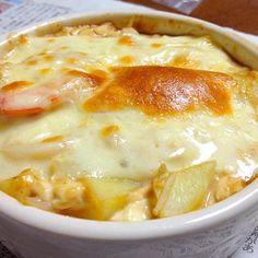 お豆腐・エノキ・海老・ジャガイモを味噌とマヨネーズで和えて、チーズを乗せてオーブンで焼けば出来上がり✨ - 42件のもぐもぐ - 豆腐グラタン by exileaiko