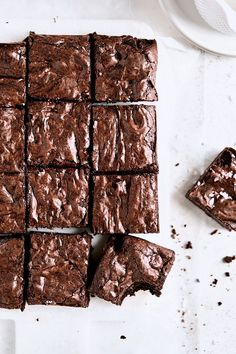 Ultimate Crinkle Brownies Brownie Toppings, Brownie Recipes, Chocolate Recipes, Fall Dessert Recipes, Fall Desserts, Pavlova, Cupcakes, Cupcake Cakes, Mousse
