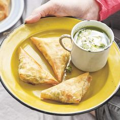 Jamie's Pea & Lobster Samosas Filo Pastry, Samosas, Pastry Recipes, Jamie Oliver, Foodies, Recipies, Eat, Ethnic Recipes, Filo