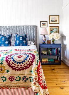 Bedroom Seating, Bedroom Sofa, Dream Bedroom, Bedroom Decor, Modern Outdoor Furniture, Home Furniture, Small Bedroom Designs, Small Bedrooms, Creation Deco