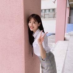 South Korean Girls, Korean Girl Groups, April Kpop, Kim Sejeong, Uzzlang Girl, School Looks, Cute Couple Pictures, Celebs, Celebrities