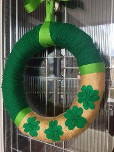 St Patty's Day Shamrock Yarn Wreath