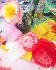 How to make tissue paper flowers from MichaelsMakers Skip to My Lou
