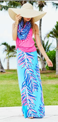 The Lilly Pulitzer Nola Skirt with the Luxletic Tank in Tropical Pink and Riley Infinity Loop in Resort White Pooling Around
