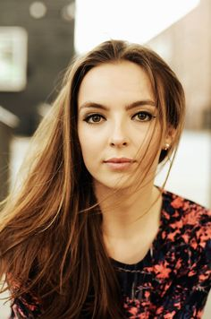 Who is Jodie Comer, Played Nude Scene in Killing Eve? What's Her Net Worth, Age and Who's Her Boyfriend? Five Jeans, Beautiful People, Beautiful Women, Pretty People, Beautiful Things, Perry Como, Pictures Of Lily, Villa, Jodie Comer