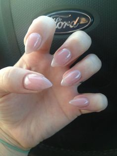 16 Lovely Nail Polish Trends for Spring Summer 2018 Stelleto Nails, Claw Nails, Nails 2017, Get Nails, Acrylic Nails, Nail Polish Trends, Nail Trends, Nagellack Design, Almond Shape Nails