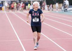 """Julia """"Hurricane"""" (Furacão) Hawkins, de 101 anos de idade, acaba de quebrar um recorde mundial - e está indiferente quanto à isso."""