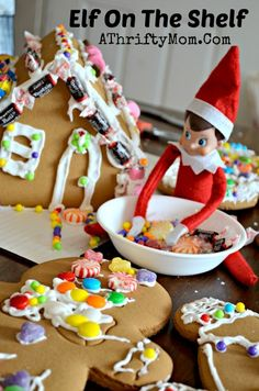 So cute, and so easy.... elf of the shelf day eleven  , Elf on the Shelf Ideas, What to do with an elf on a Shelf, Easy Elf on the Shelf Ideas