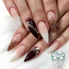 Opting for bright colours or intricate nail art isn't a must anymore. This year, nude nail designs are becoming a trend. Here are some nude nail designs. Fabulous Nails, Gorgeous Nails, Pretty Nails, Burgundy Nail Designs, Burgundy Nails, Stiletto Nail Art, Nude Nails, Dark Nails, Acrylic Nails