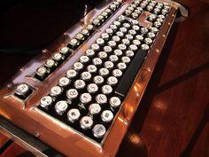Diese Designertastatur ist ein wahrer Hingucker.Sie ist nicht nur ein Hingucker, sondern ist auch technisch ganz weit vorne mit dabei.Mit ihrer MX ...