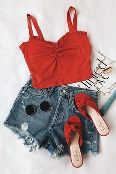 Trendy Womens Fashion For Summer Crop Tops Shoes Ideas Tumblr Outfits, Mode Outfits, Trendy Outfits, Summer Fashion Trends, Spring Summer Fashion, Fashion Ideas, Latest Fashion For Women, Womens Fashion, Ladies Fashion