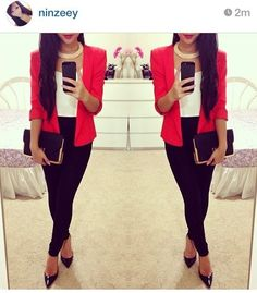 This is inappropriate because, although it does consist of a jacket, short heels and slacks, the red blazer is way too vibrant. Business Casual Attire, Business Outfits, Business Fashion, Business Formal, Look Office, Interview Attire, Look Blazer, Blazer Outfits, Professional Outfits