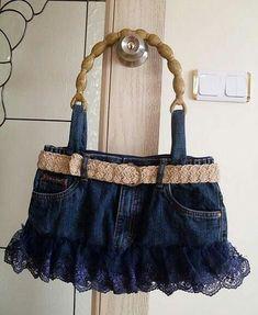 From old jeans Blue Jean Purses, Estilo Denim, Denim Handbags, Denim Purse, Mode Jeans, Denim Ideas, Denim Crafts, Recycle Jeans, Recycled Denim