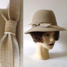 d2faa518dfd 1970s Frank Olive Wool Fedora Hat   Vintage 70s by Vintagedustshop Vintage  Couture